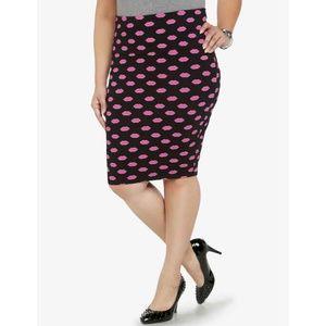 Torrid Black Stretch Pencil Skirt Pink Kiss Lips 1